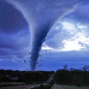 tornadovp 300x300 Смерчи, ураганы и торнадо   причины появления