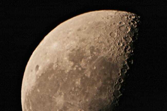 Почему небо на Луне черное? Описание, фото и видео