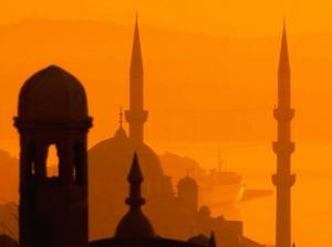 Минарет на мечети