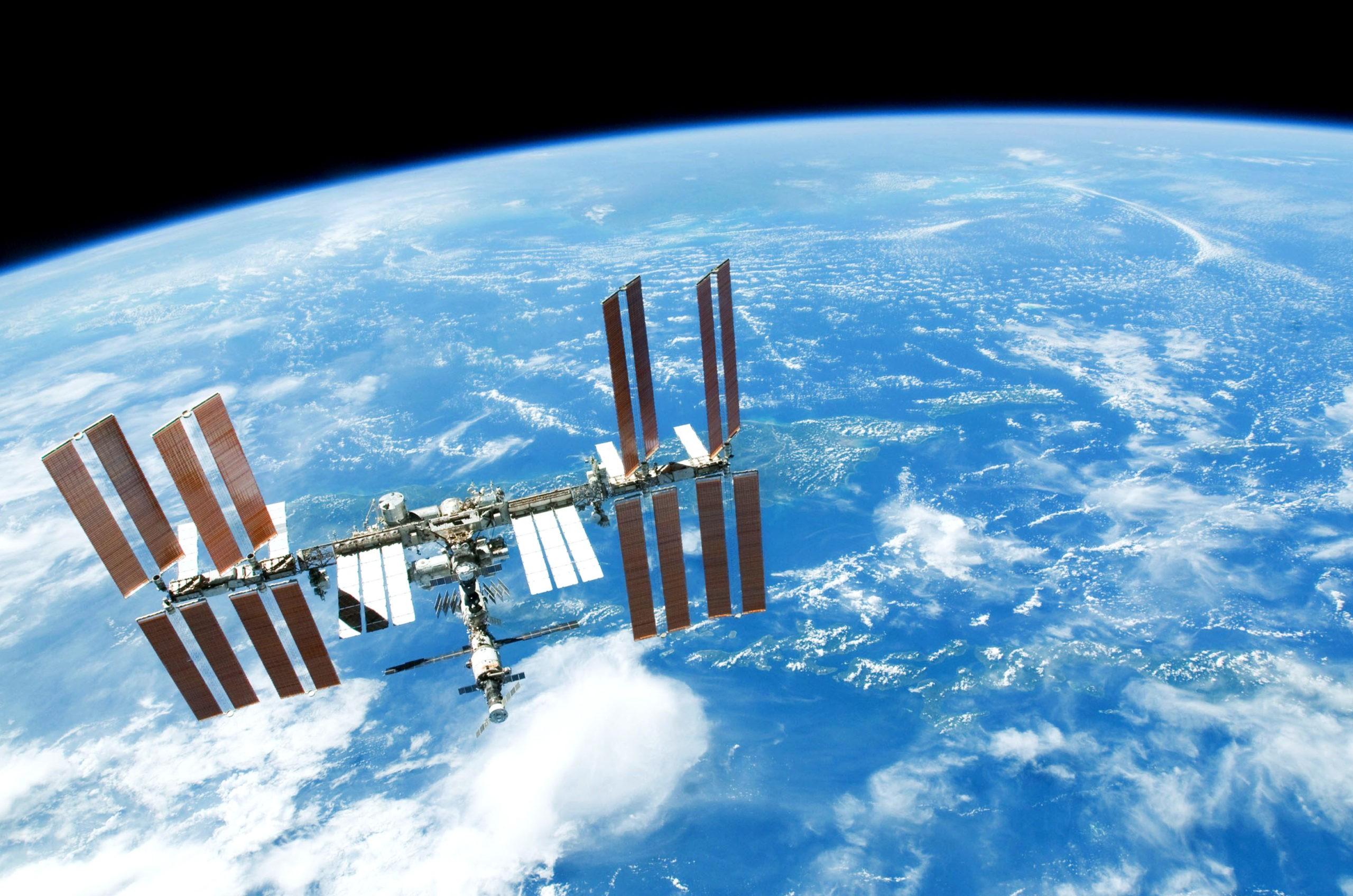 Видны ли звезды космонавтам?