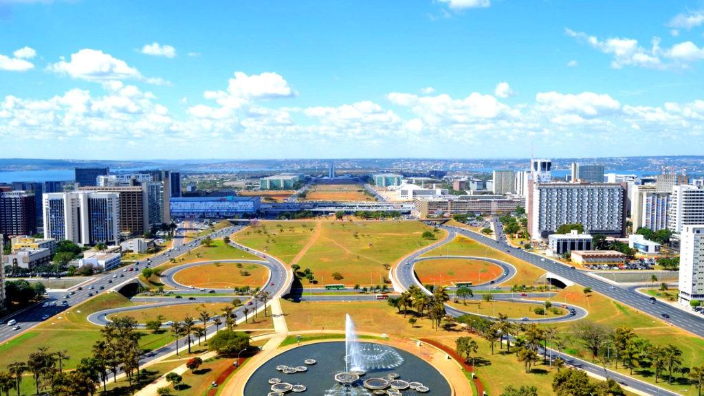 Монументальный вал в Бразилии