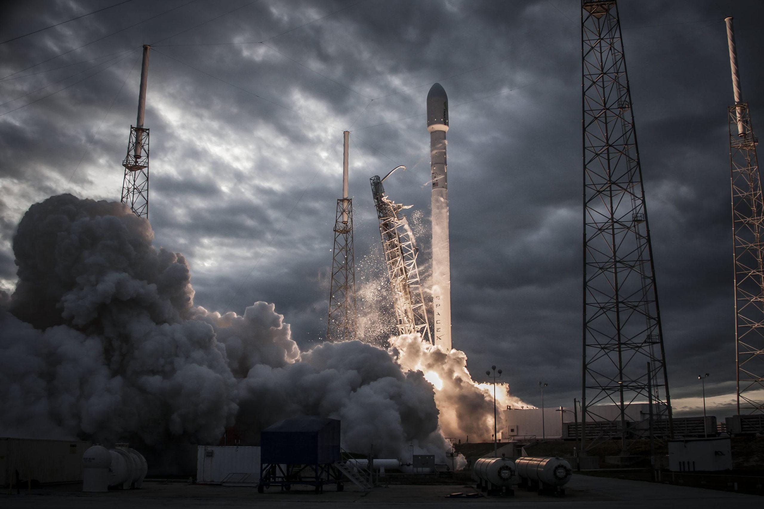 1-й частный полет в космос обойдется в 55 миллионов долларов каждому его участнику