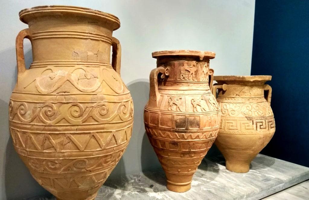 Древнегреческий пифос, в котором по изначальной версии мифа хранились несчастья