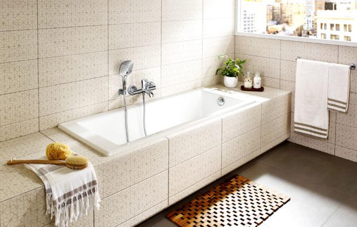 Почему обычные ванны короче человеческого роста?