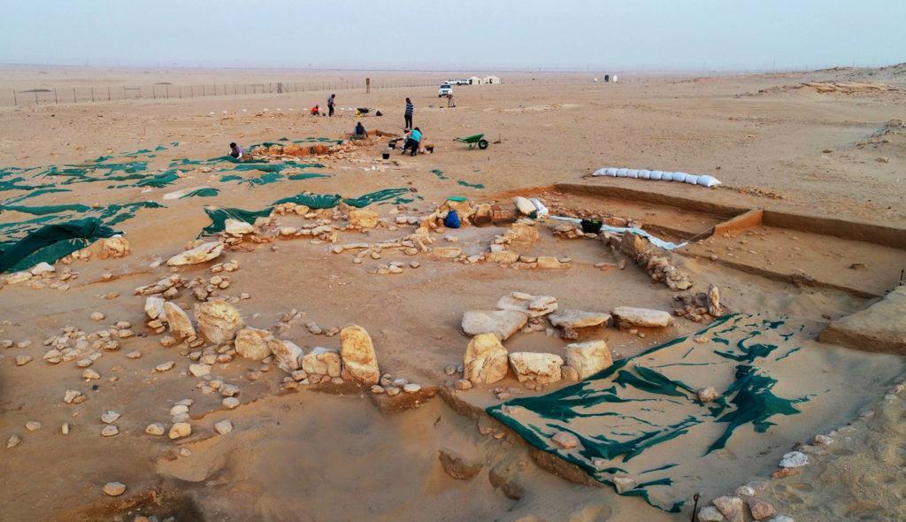 Раскопки на руинах древнейшего храма в Персидском заливе (зданию более 7 тыс. лет)