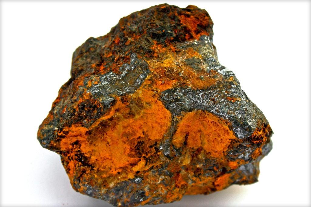 Лимонит (бурый железняк)