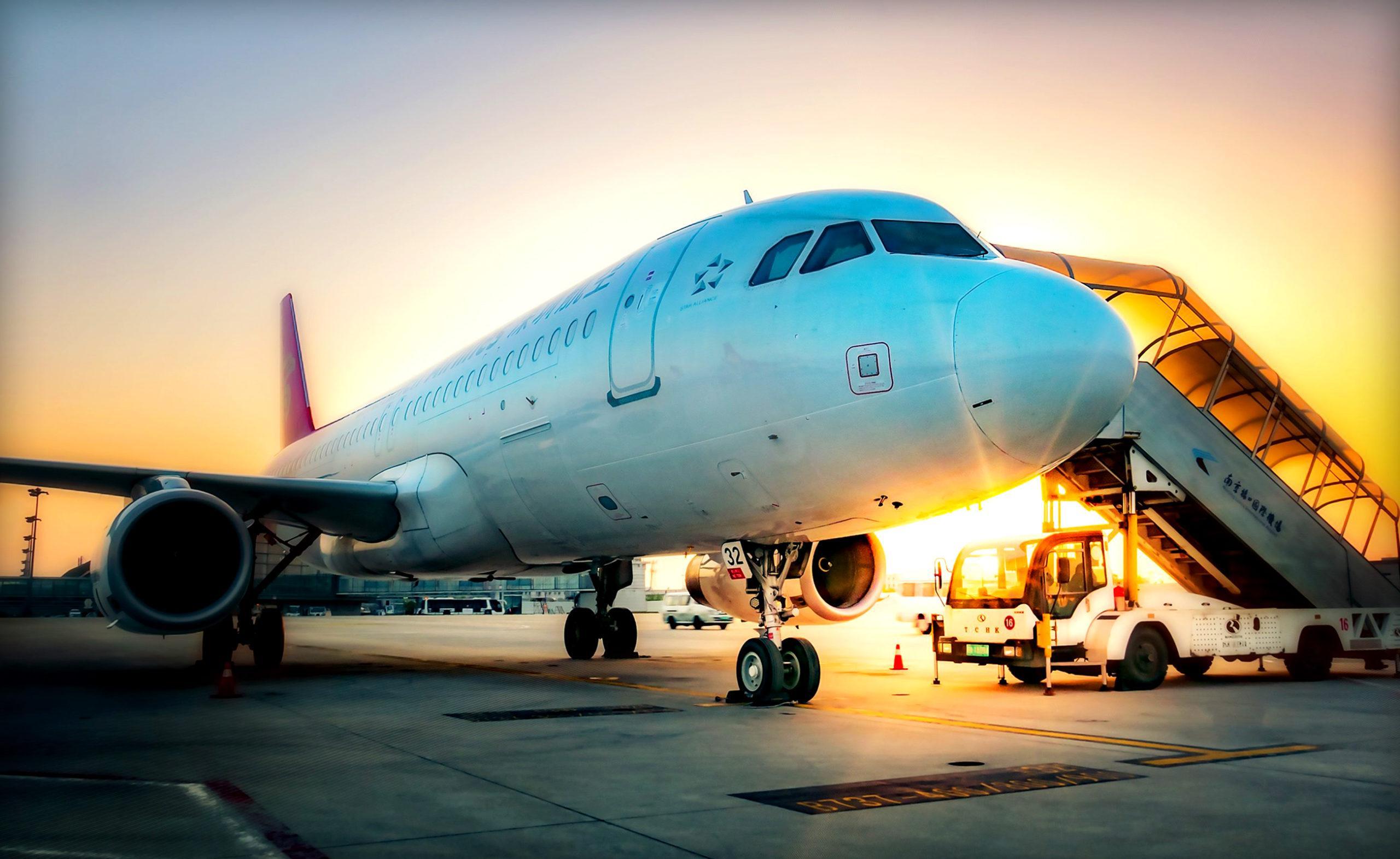 Может ли самолет ездить задним ходом?