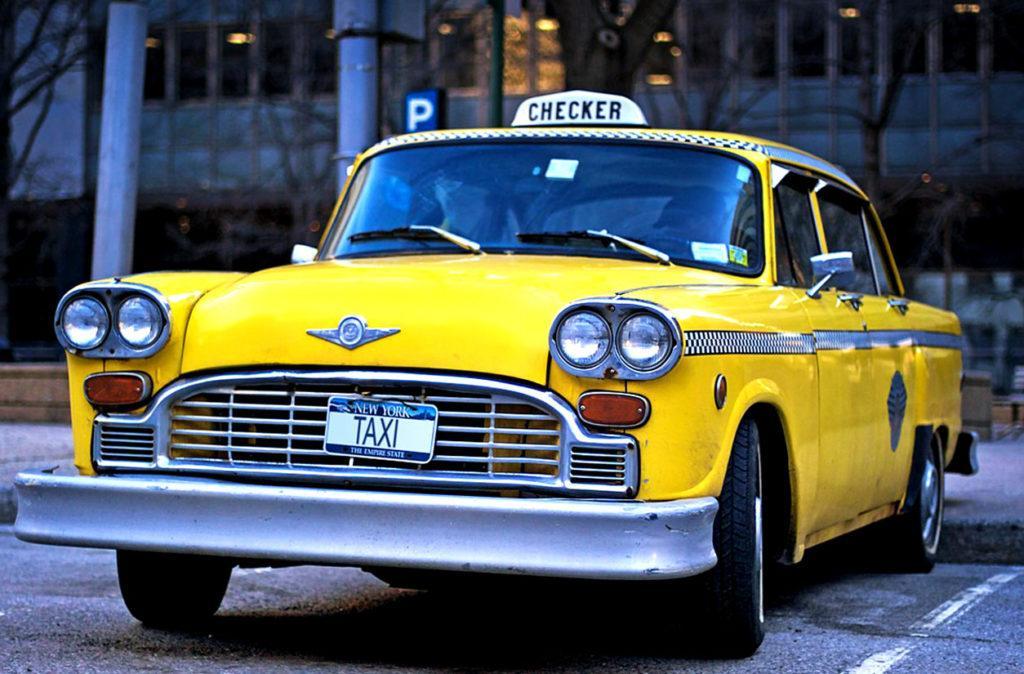 Checker Taxi (производство авто прекращено в 1982)