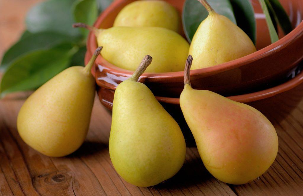 Нельзя употреблять фрукты в больших количествах, т.к. это наносит вред организму