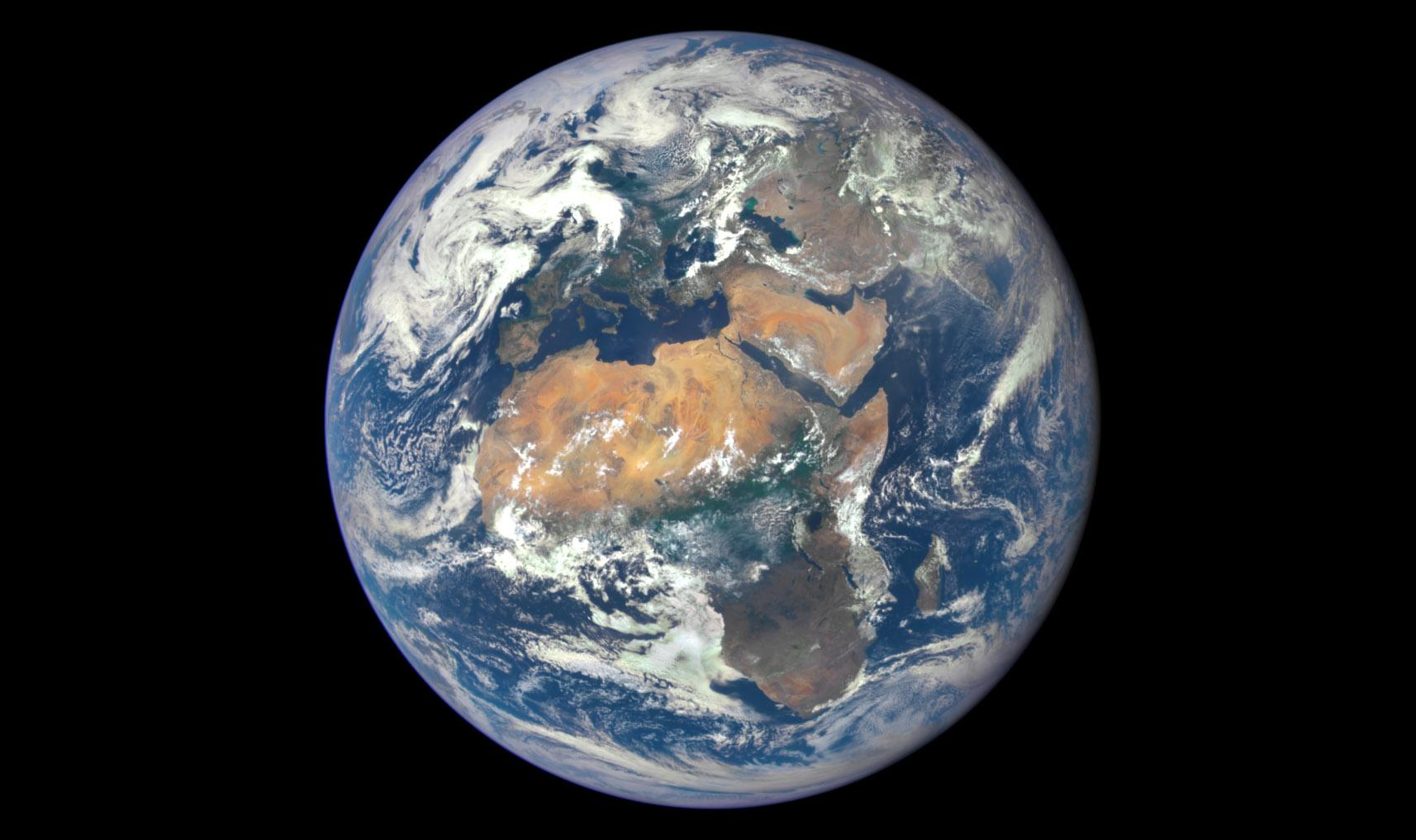 Фото Земли с аппарата DSCOVR, 29 июля 2015 г.