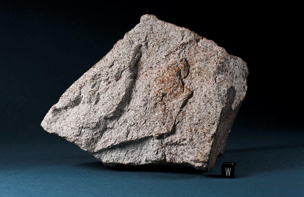 Каменный метеорит