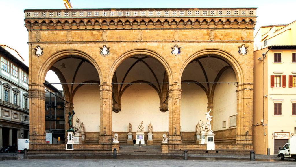 Лоджия деи Ланци на Площади Синьории во Флоренции, XIV век