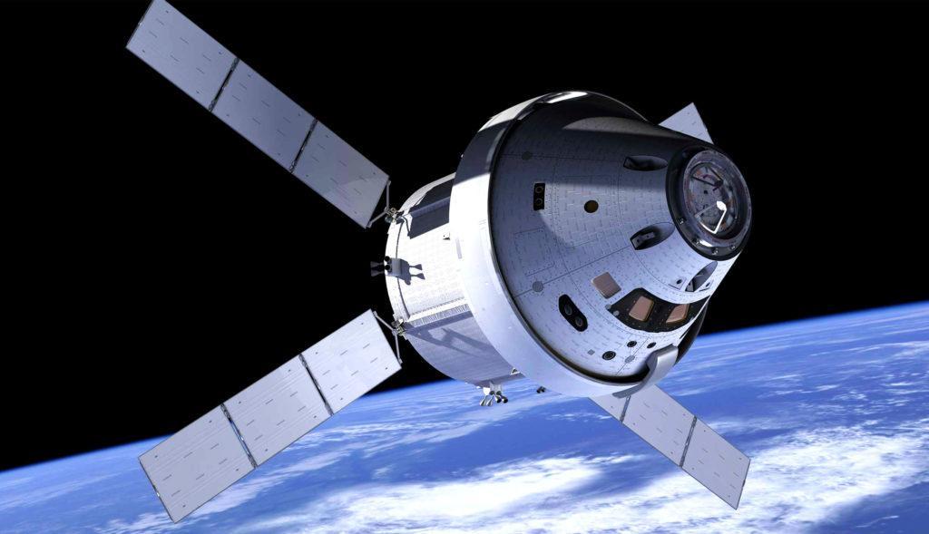 Космический аппарат «Орион» в космосе (Рисунок НАСА), на котором планируется совершать пилотируемые полеты к Луне