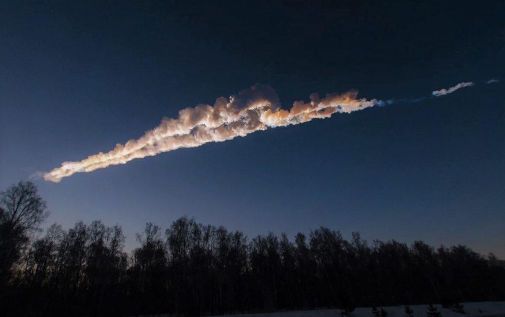 След от падения метеорита в Челябинске