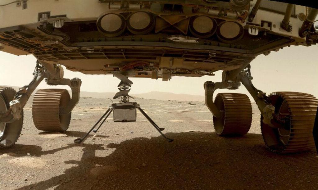 Вертолет Ingenuity готовится отсоединиться от марсохода