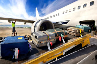Можно ли перейти в полете из пассажирского салона в багажное отделение?