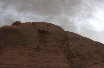 Марсоход Curiosity запечатлел сияющие облака на Марсе