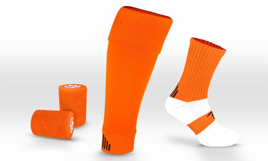 Комплект из обычных носков, гетр и ленты - тайпа