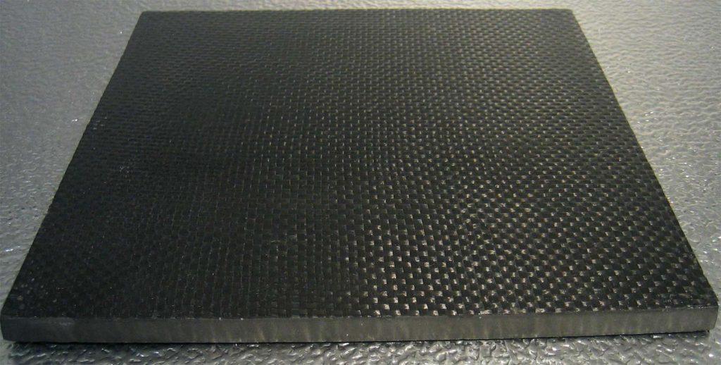 Органотекстолит на основе ткани кевлара для защитных элементов бронежилета