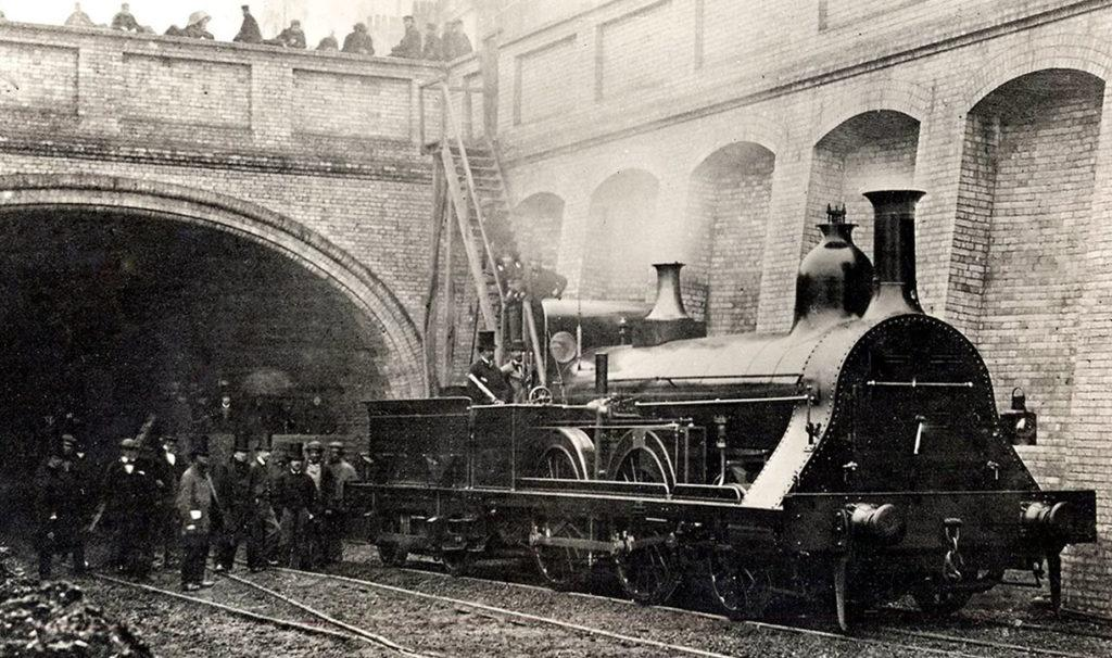 Первое лондонское метро, 1863 год. Поезд на паровой тяге