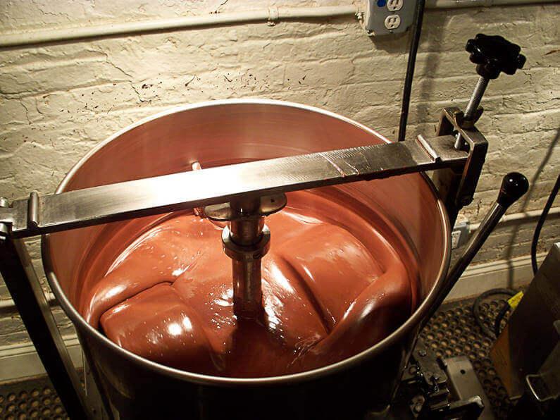 Как и из чего делают шоколад? Описание, фото и видео