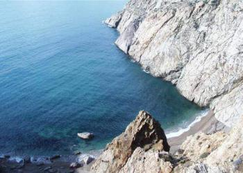 Почему Мраморное море так называется?