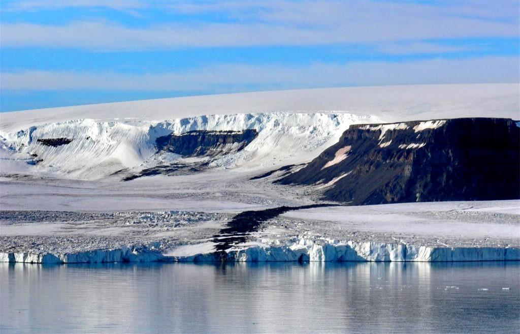 Типичный для арктической пустыни рельеф