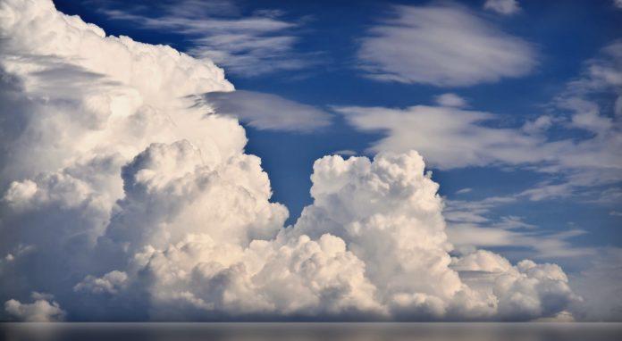 Сколько воды в облаке?