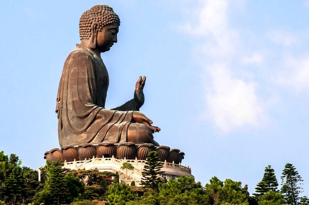 Большой Будда - большая бронзовая статуя Будды в Гонконге