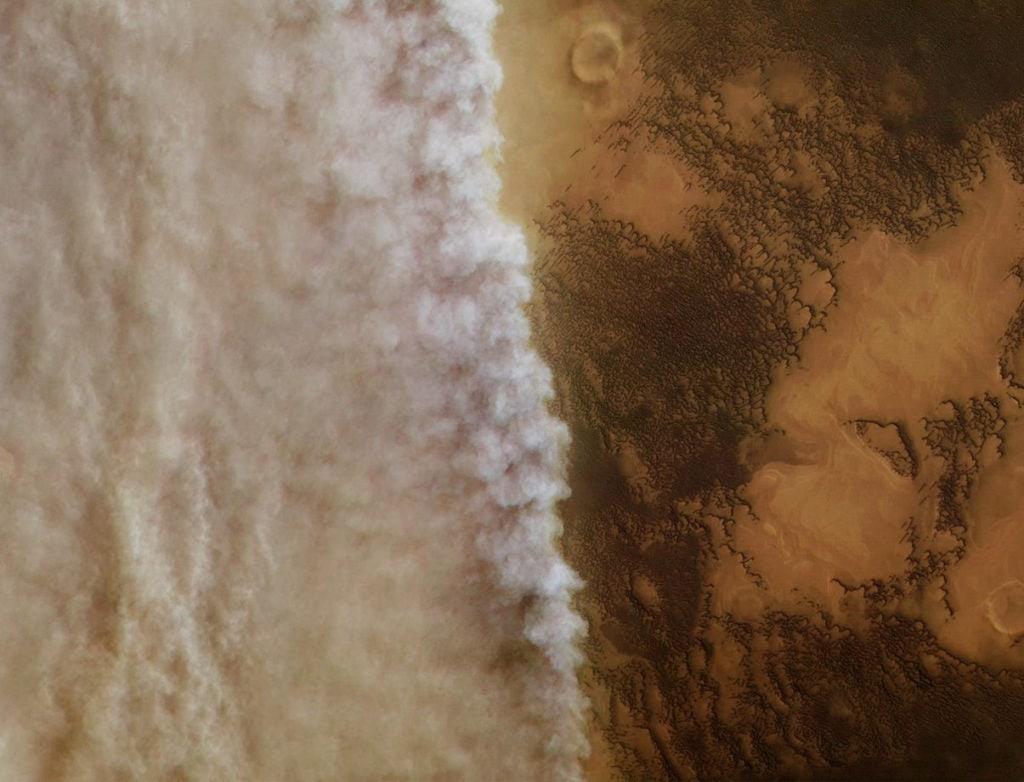 Бури на Марсе (космический аппарат Mars Express показал пылевую бурю на Марсе)
