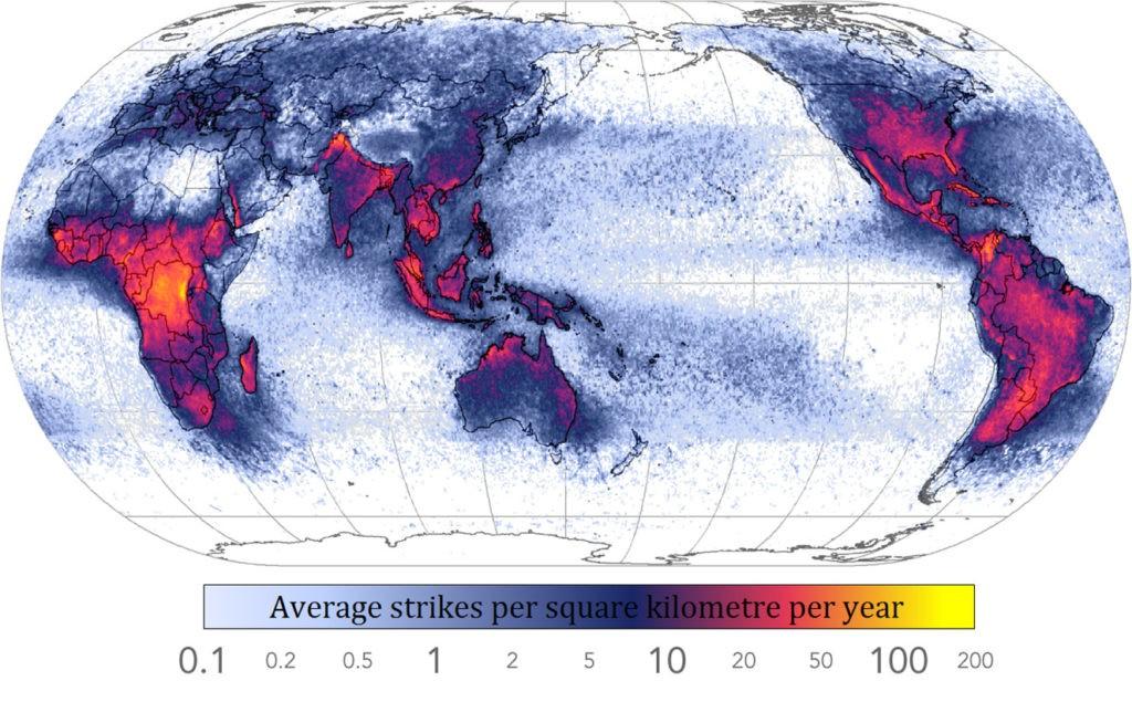 Частота молнии (на квадратный километр за год)