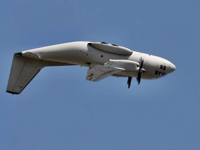 Что позволяет самолету летать вверх ногами?