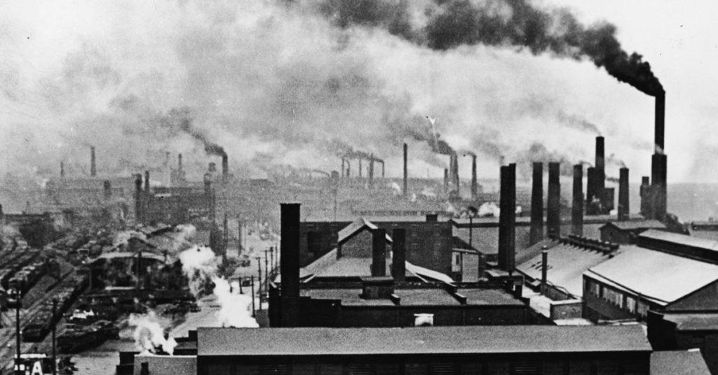 Дым от заводов в 19 веке