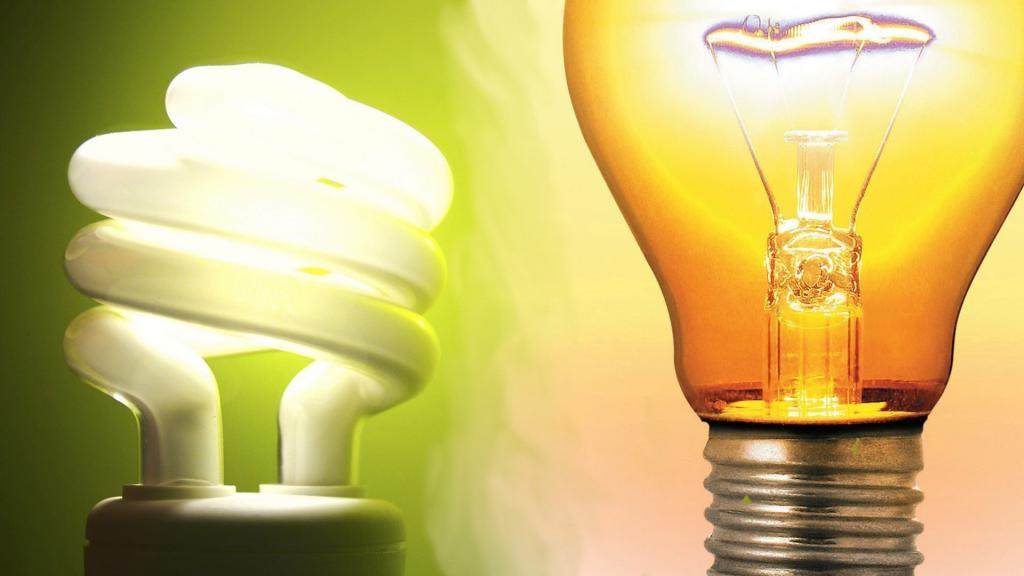 Энергоэкономичная и обычная лампы