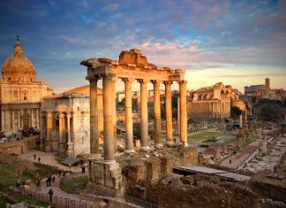 Если римляне говорили на латыни, то откуда итальянский?