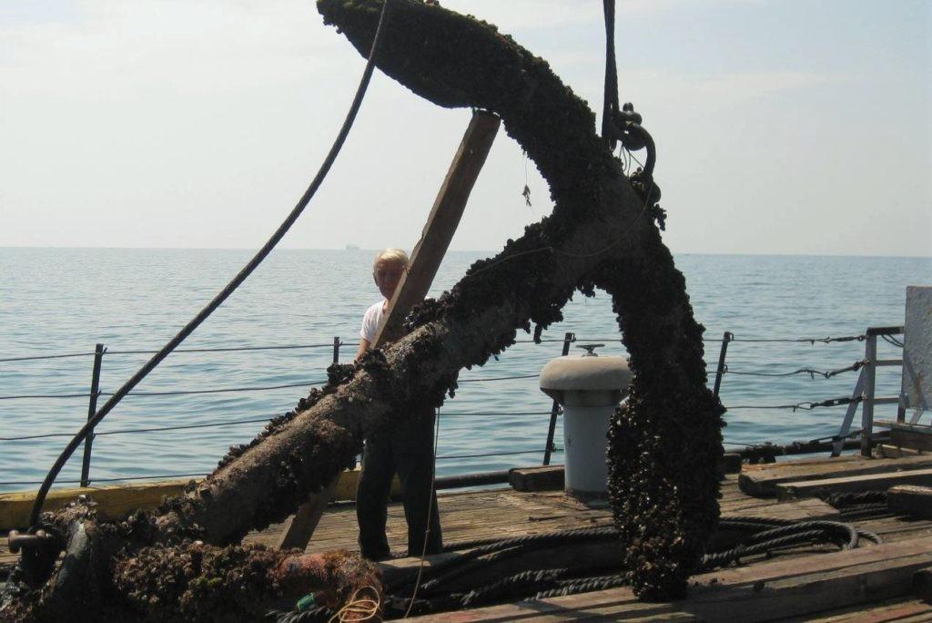 Фото якоря, пролежавшего на дне Черного моря более 100 лет