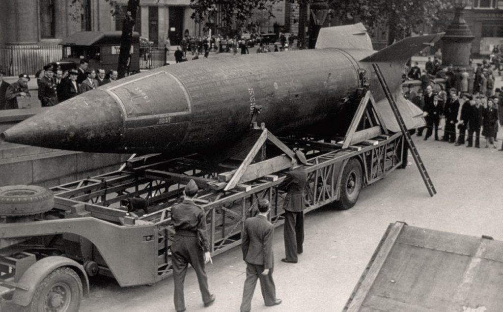 Фау-2 - первая баллистическая ракета в мире, создана в Третьем Рейхе
