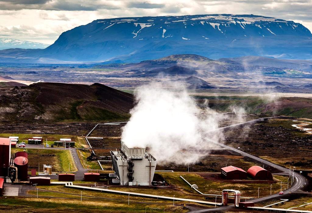 Геотермальная электростанция в Исландии работает на основе энергии подземных источников