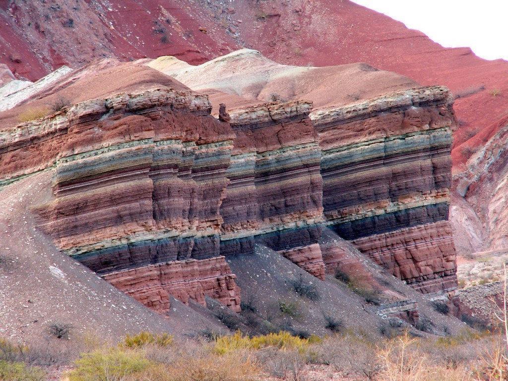 Слоистая структура гор