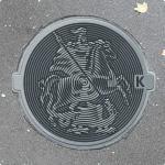 Почему канализационные люки круглые?