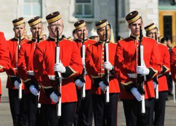 Кадеты Королевского канадского военного колледжа