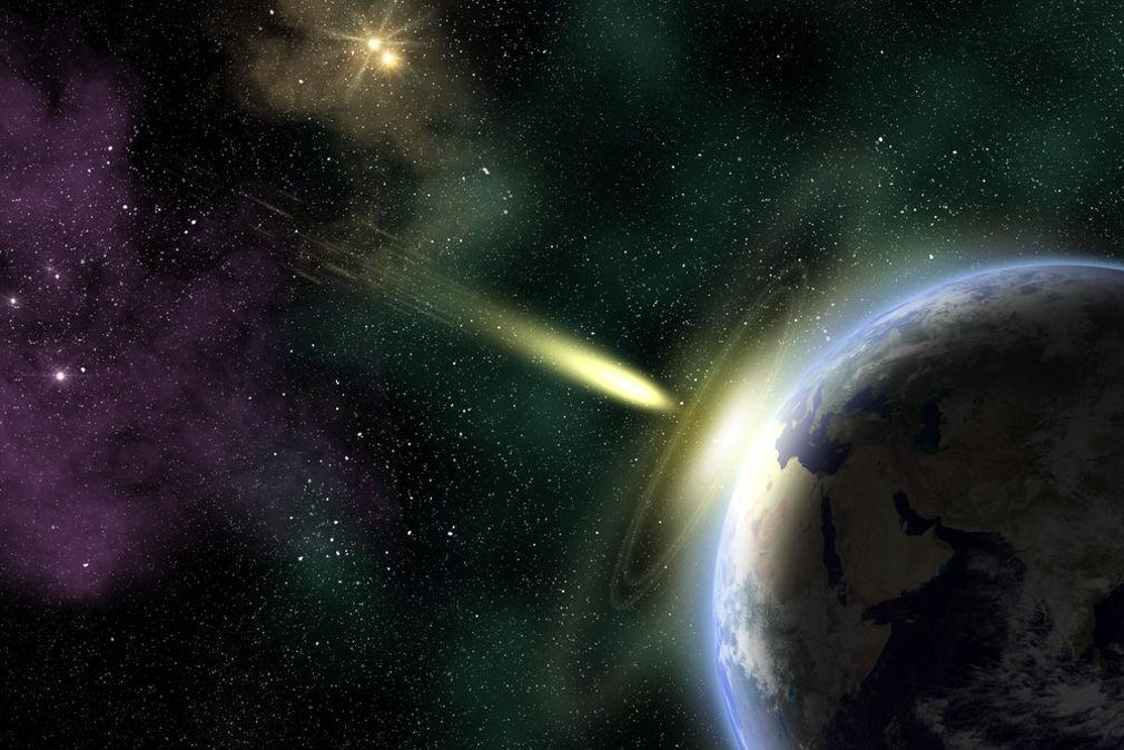 Комета и Земля