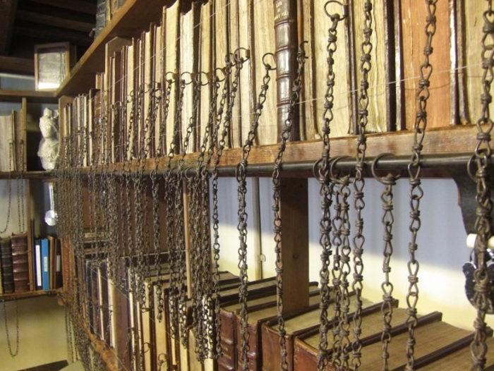 Книги прикованные цепями