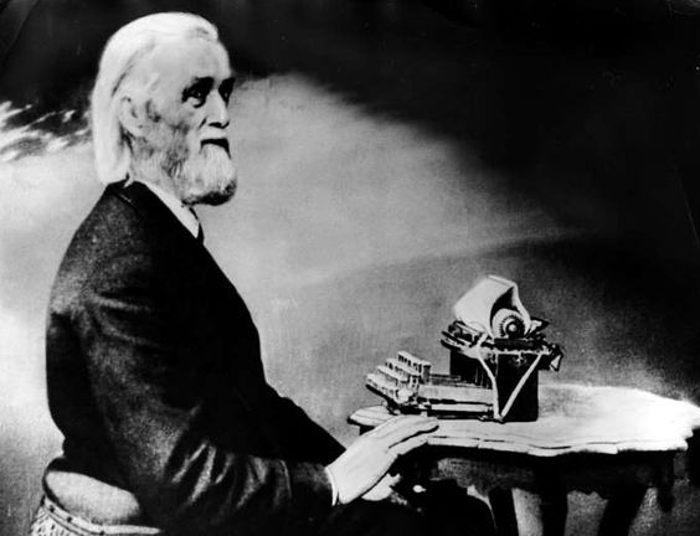 Кристофер Шоулз и пишущая машинка
