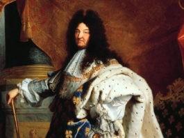 Почему в России французских королей по имени Луи принято называть Людовиками?