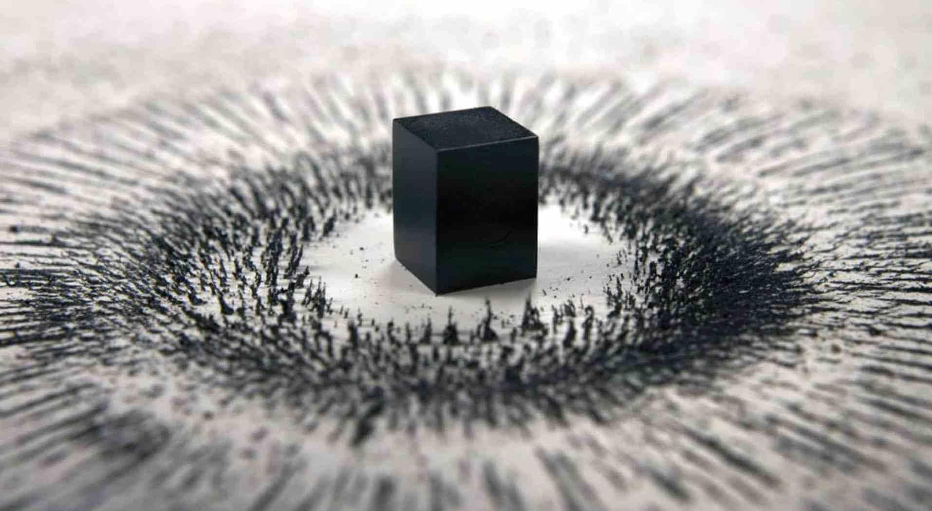 Влияние магнита на металлическую стружку