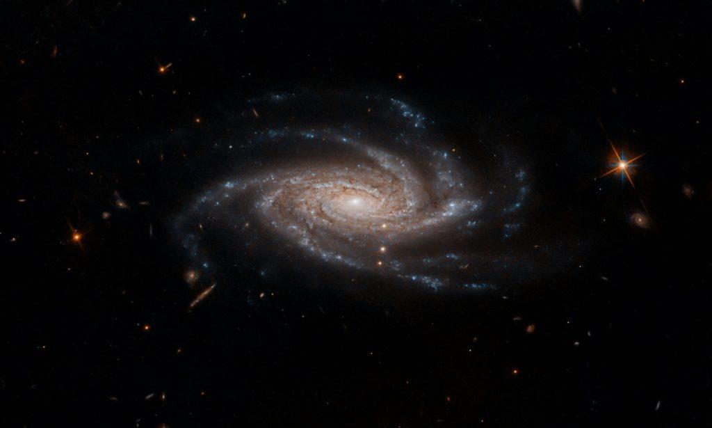 Изображение Млечного Пути с его спутниками - карликовыми галактиками