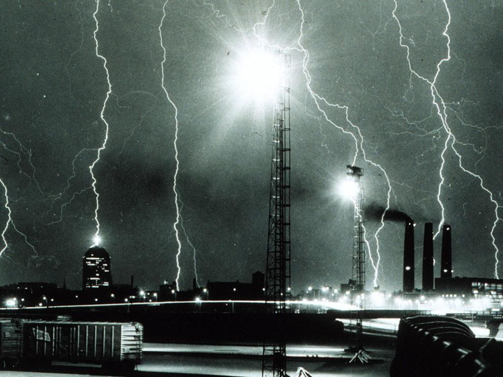 Старое фото молнии в Бостоне