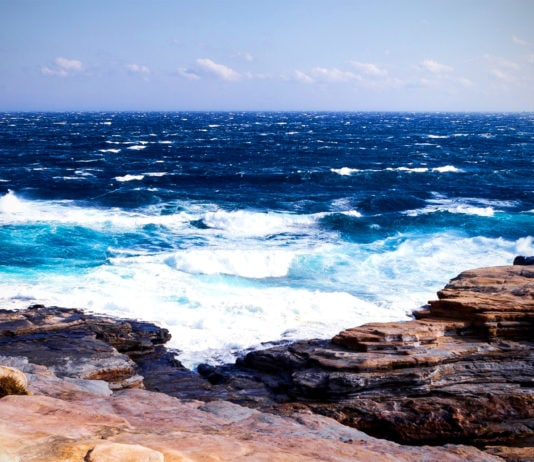 Моря и океаны, которые омывают Россию — список, карта, описание, фото и видео