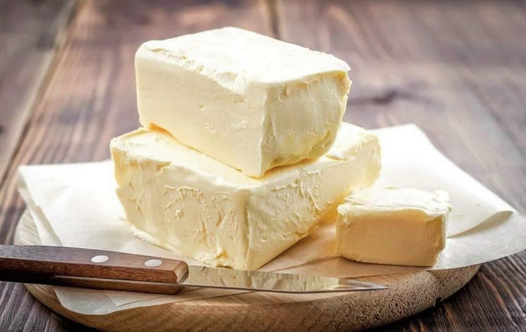 Маргарин не содержит холестерина и является более дешевым продуктом, чем масло